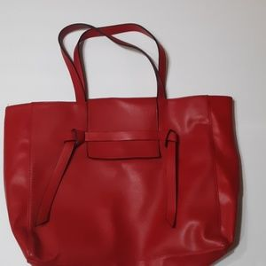 Gently Used Elizabeth Arden Bag -Red